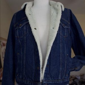 BRAND NEW Levi's fur lined jacket.